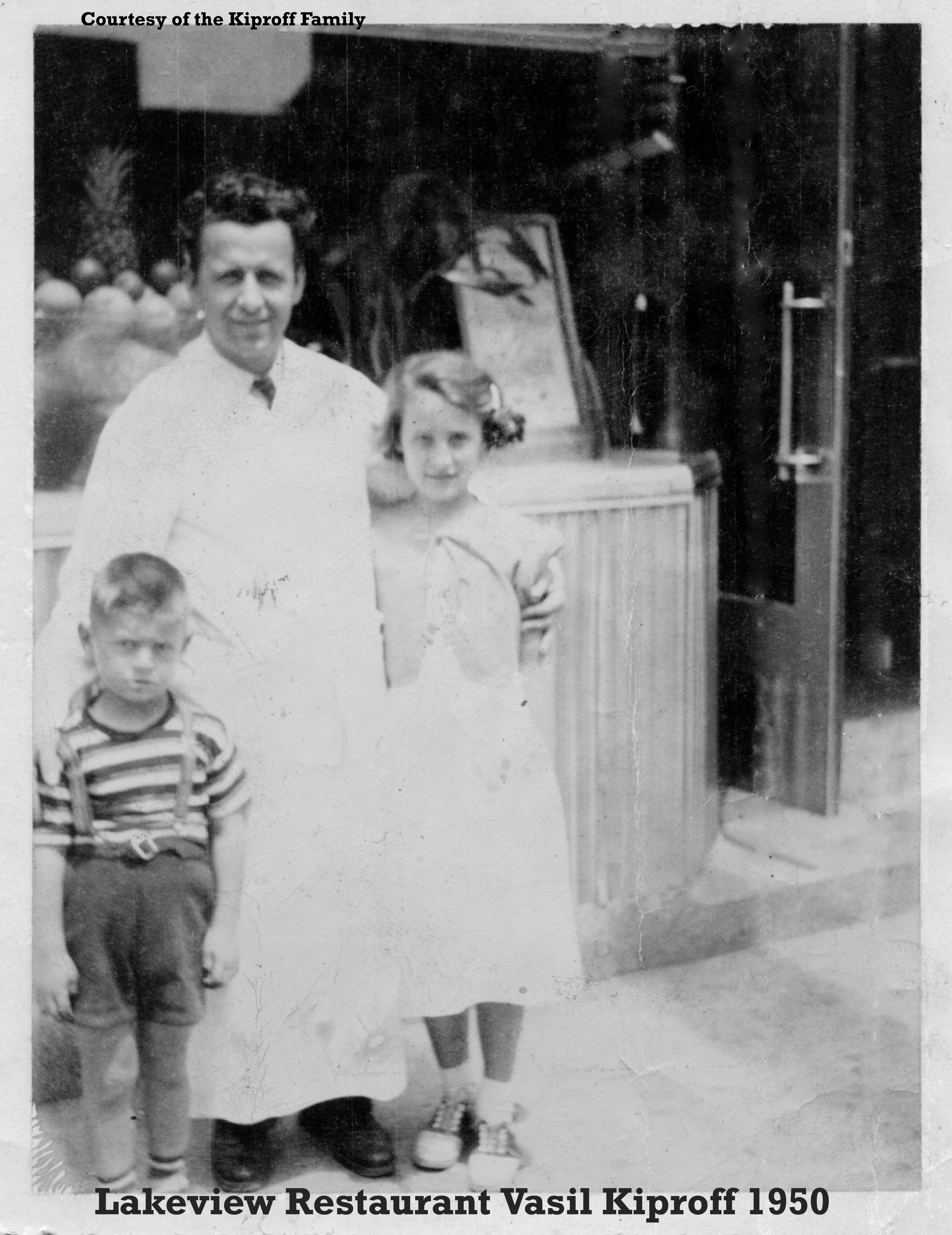 White apron toronto - Kiproff 1950