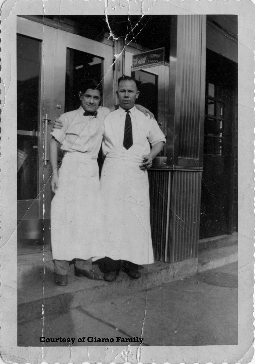 White apron toronto - Giamou Men